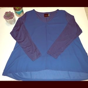 Lysse Navy V neck blouse